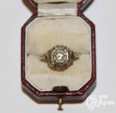 Кольцо с бриллиантом в стиле ар-деко